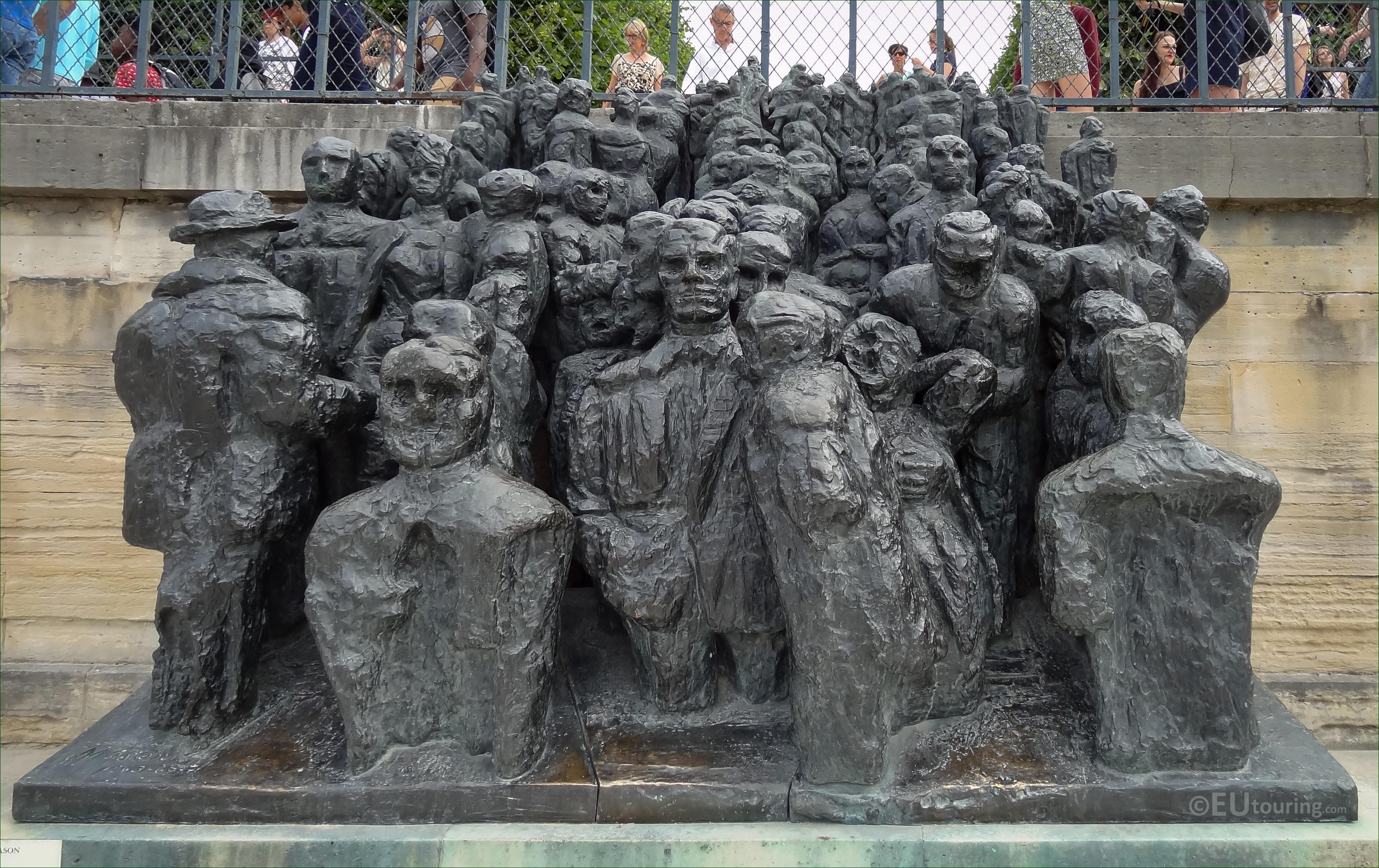 Photos of la foule sculpture in jardin des tuileries page 628 - Statues jardin des tuileries ...