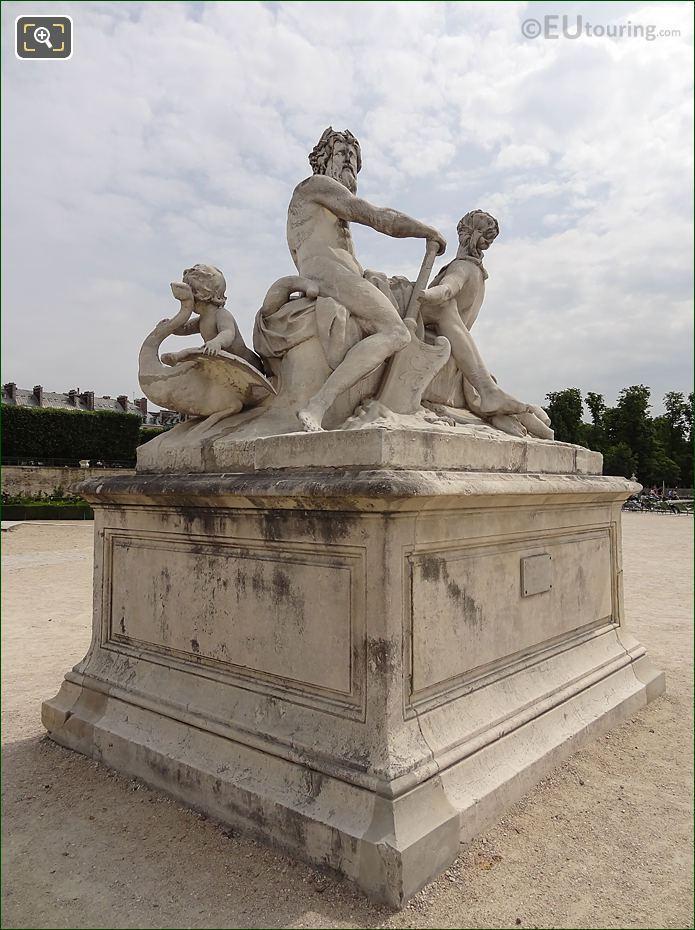 Jardin Tuileries Statue La Seine Et La Marne