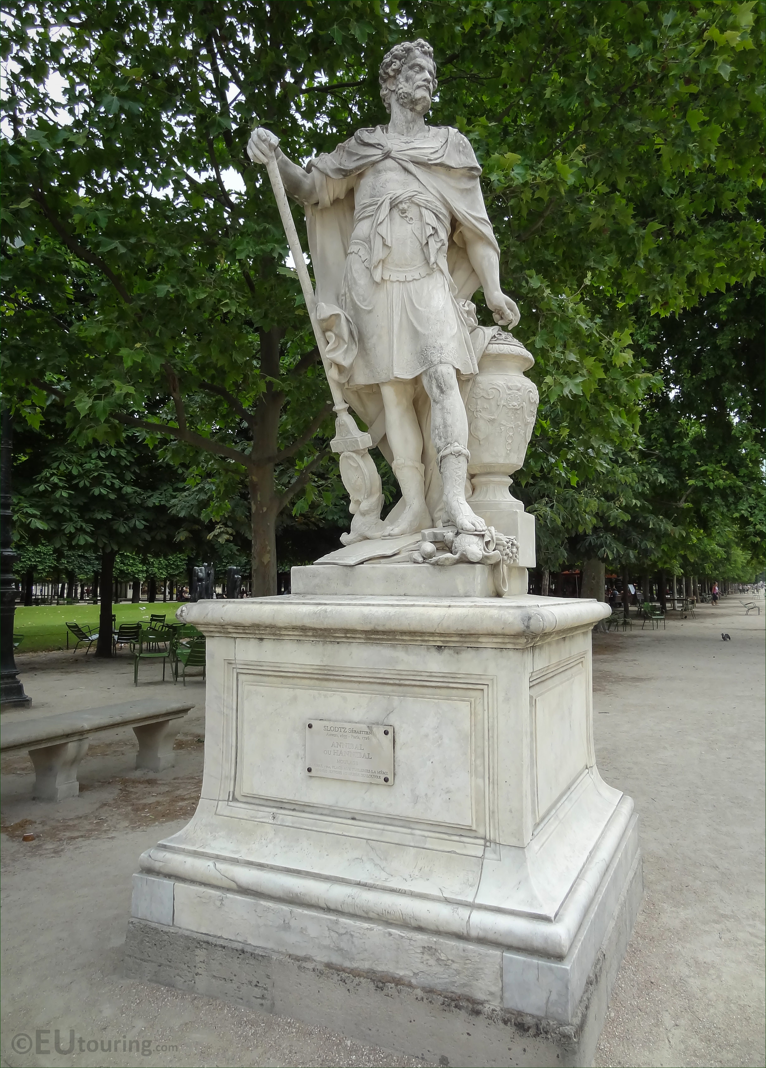 photos of hannibal statue in jardin des tuileries page 112. Black Bedroom Furniture Sets. Home Design Ideas