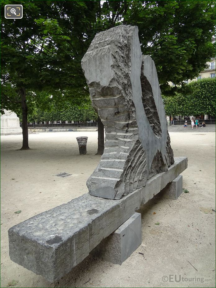 Back And LHS Force Et Tendresse Sculpture