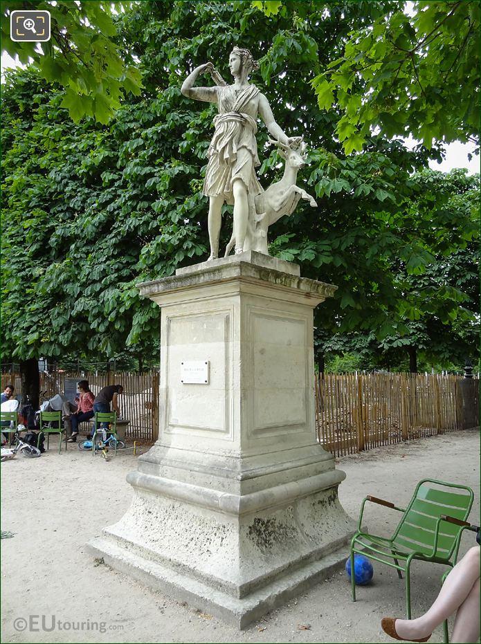 Diana The Huntress Statue Called Diane A La Biche