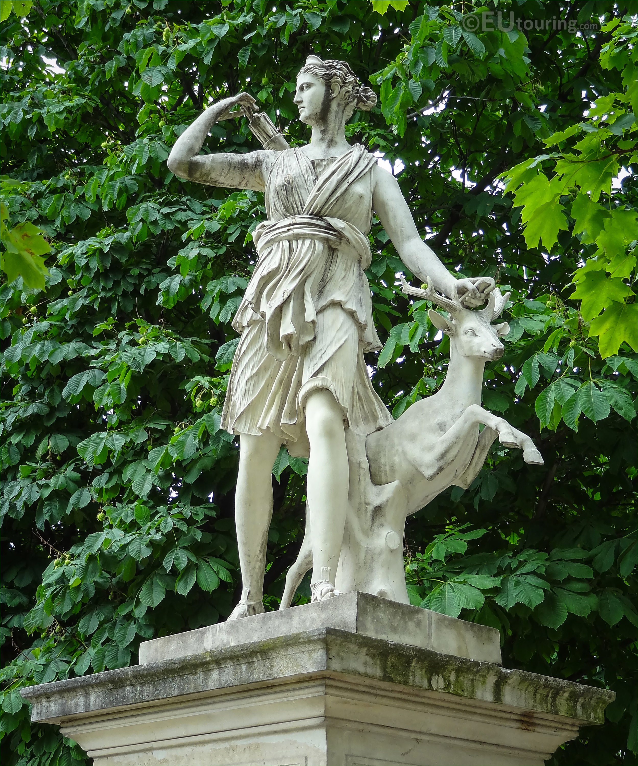 Photos of diane a la biche statue in jardin des tuileries - Sculpture jardin des tuileries ...