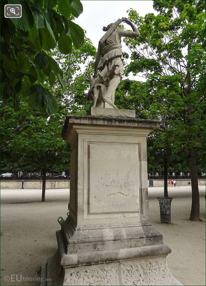 Artemis A La Biche Statue Or Diane A La Biche