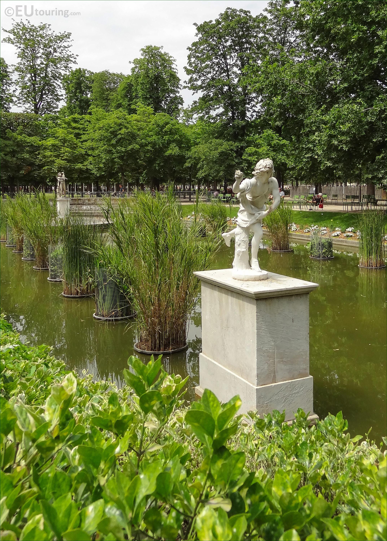 The hippomene statue inside jardin des tuileries page 750 - Statues jardin des tuileries ...