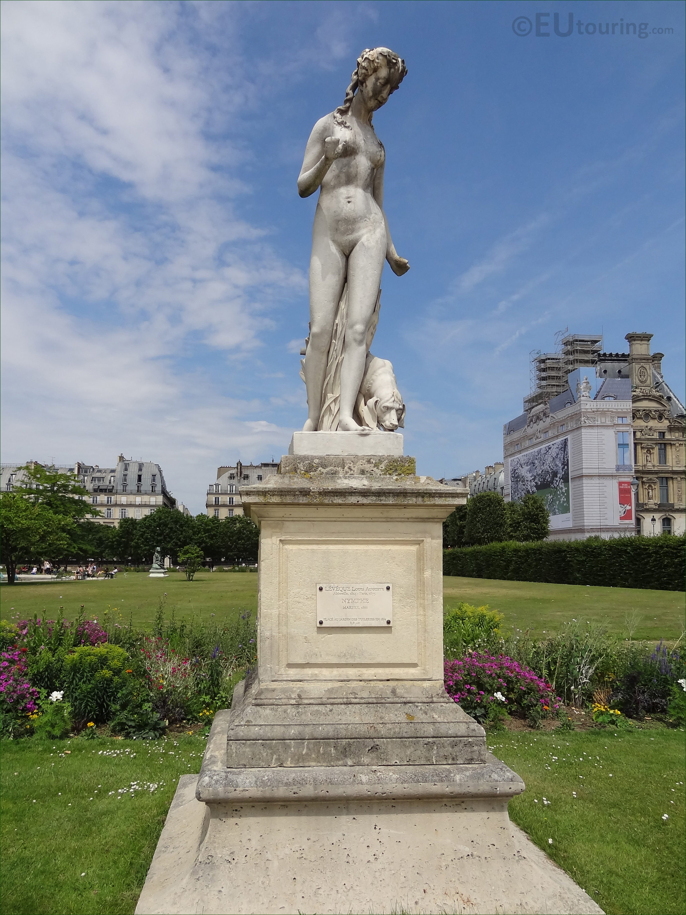 Photos of Nymphe statue inside Jardin des Tuileries - Page 41