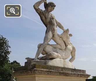 RHS And Front Of Thesee Combattant Le Minotaure Statue