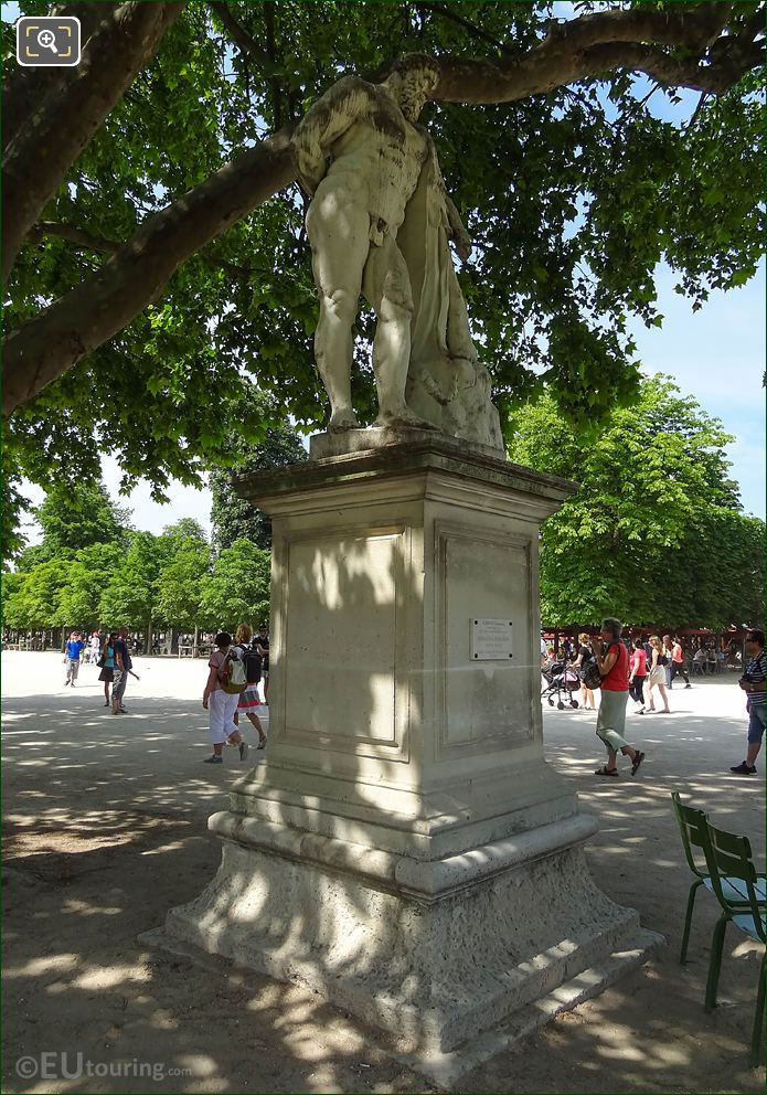 LHS Of Hercule Farnese Statue In Jardin Des Tuileries