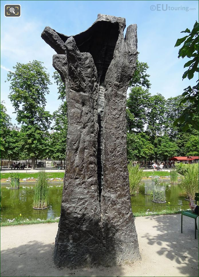 Manus Ultimus Sculpture By Magdalena Abakanowicz