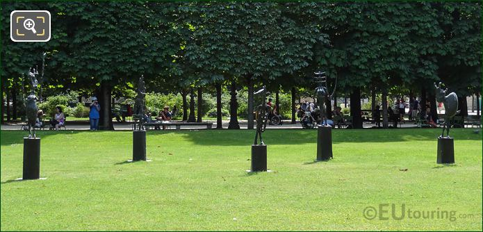 L'Echiquier, Grand Statues In Jardin Des Tuileries