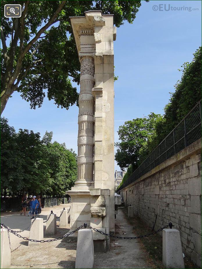 Vestige Du Palais Des Tuileries Side View