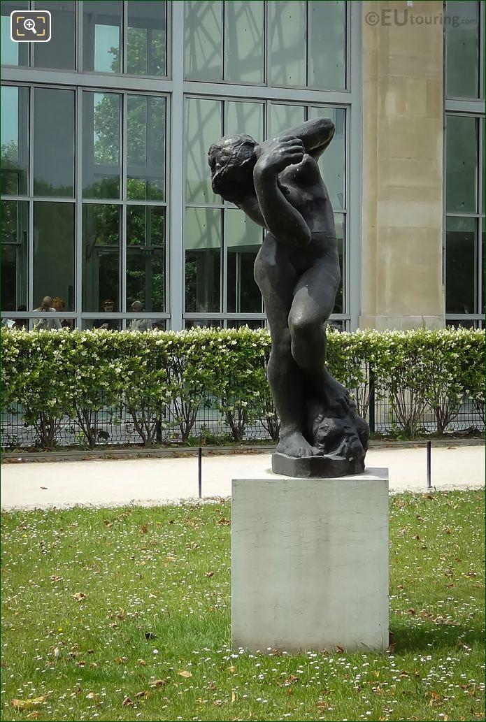 Meditation Avec Bras Statue Front View