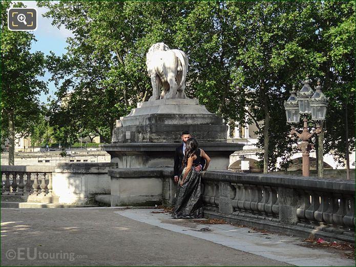 Lion Statue Terrasse De l'Orangerie Jardin Tuileries