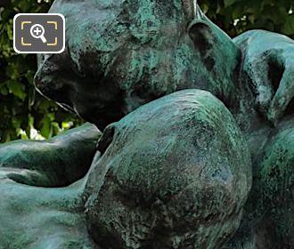 Jardin Tuileries Statue The Kiss