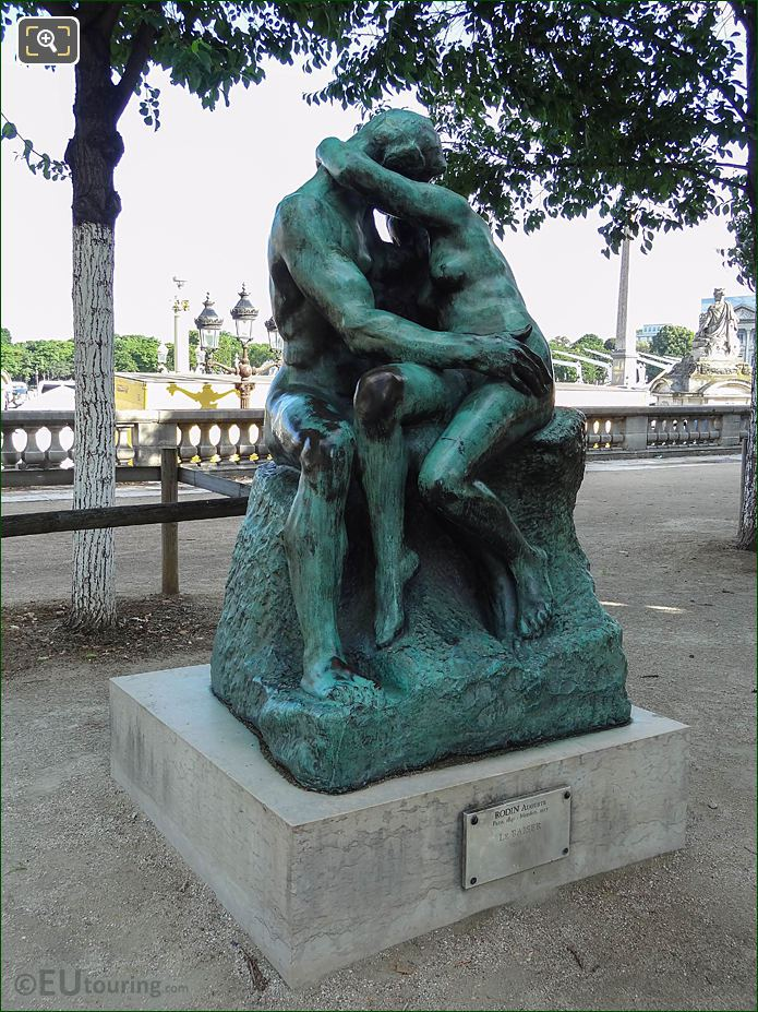 Tuileries Grdns Bronze Statue The Kiss