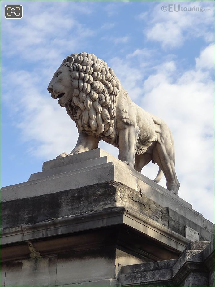 SW Lion Statue In Jardin Des Tuileries
