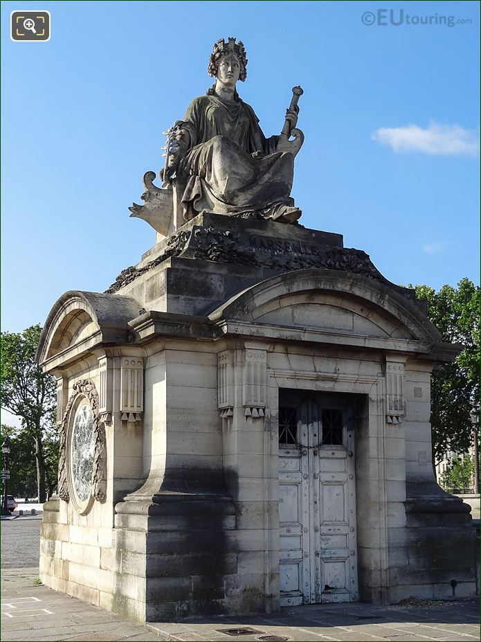 Pavilion Guardhouse With The City Of Marseille Statue