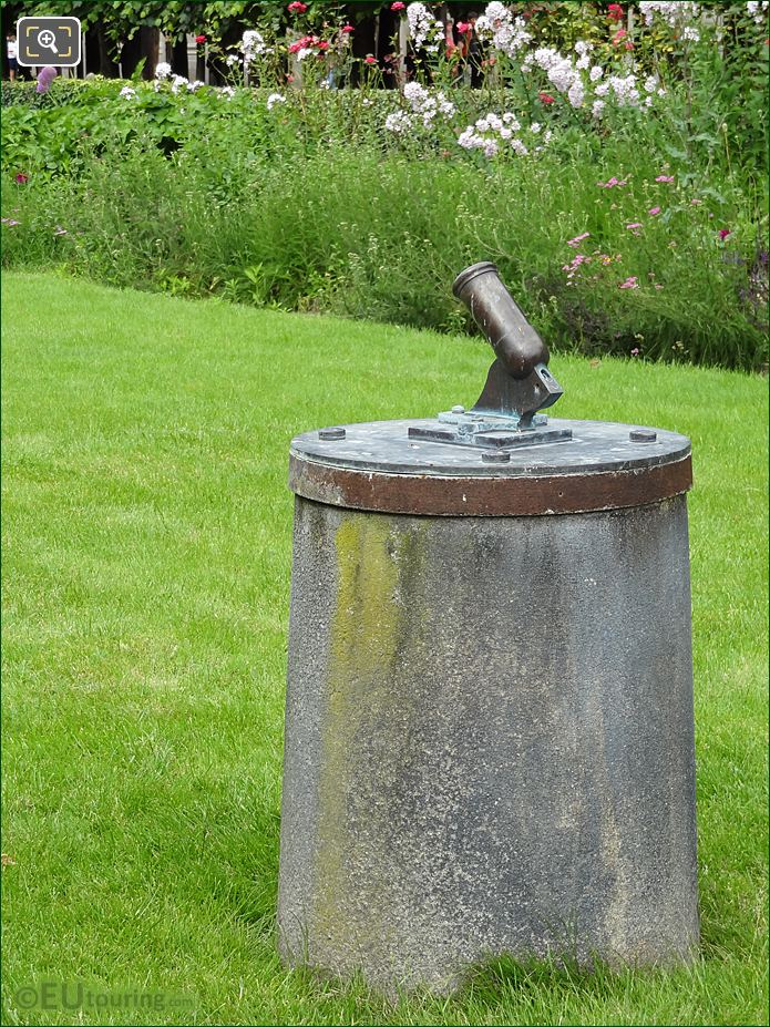 Le Petit Canon On Its Pedestal Within Palais Royal Gardens
