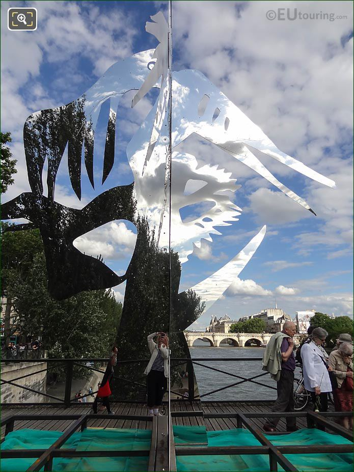 Enchanted Footbridge Sculpture Arbre V Pont Des Arts