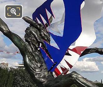 RHS Of Dans La Gueule Du Loup Sculpture