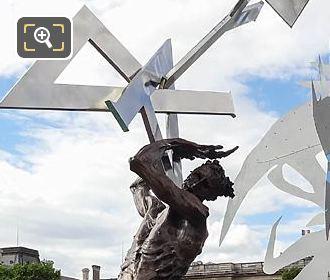 Pont Arts Le Ciel Lui Tombe Sur La Rete Sculpture