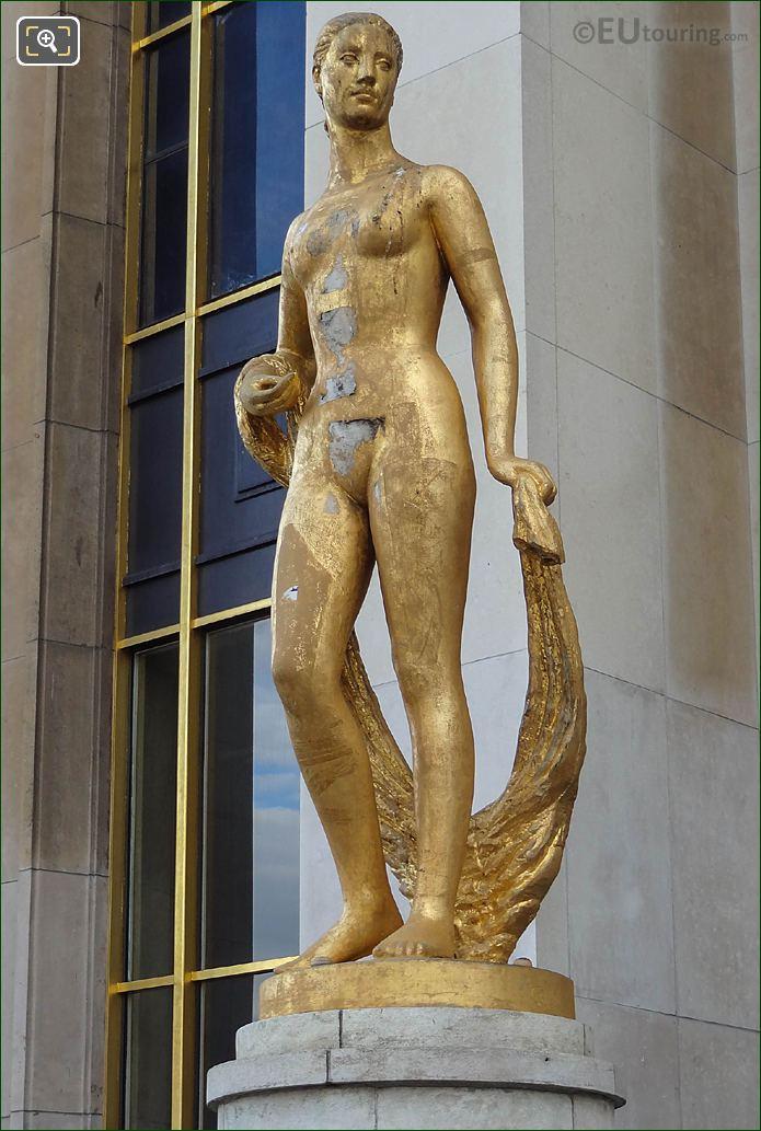 LHS Palais De Chaillot Flore Statue