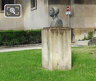 LHS Paul Valery Bust Jardins Du Trocadero