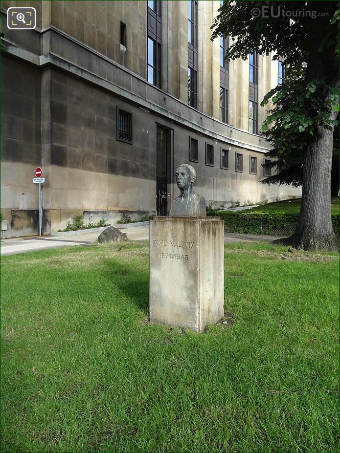 Jardins Trocadero Statue Paul Valery