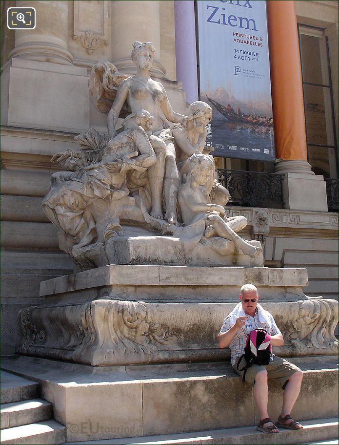 Petit Palais La Seine Et Ses Affuents Statue
