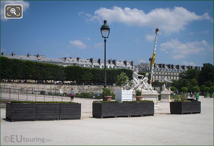 Tuileries La Seine et la Marne Statue