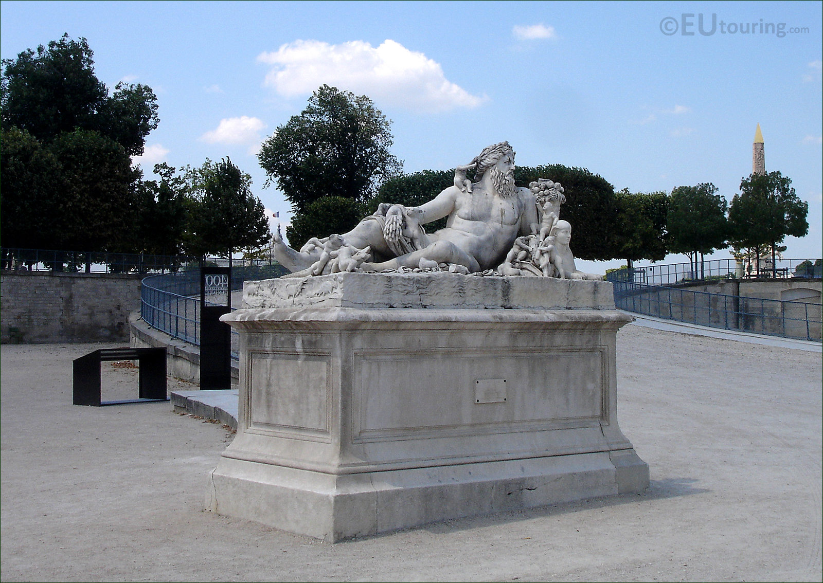 Photos of the nile statue in jardin des tuileries paris for Jardins jardins des tuileries