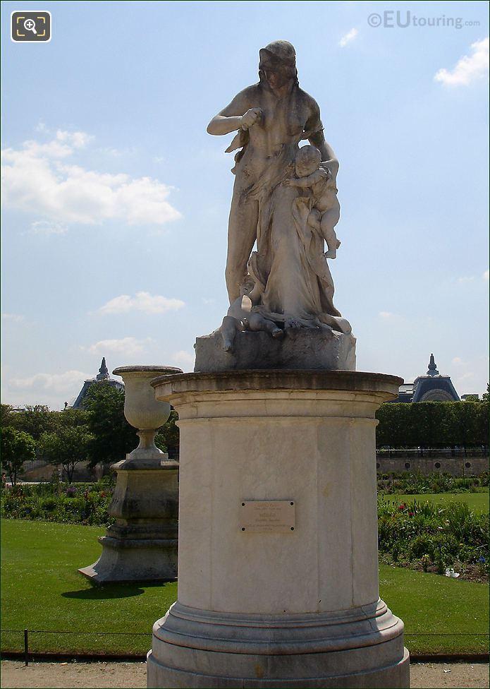 Jardin Des Tuileries Medee Statue