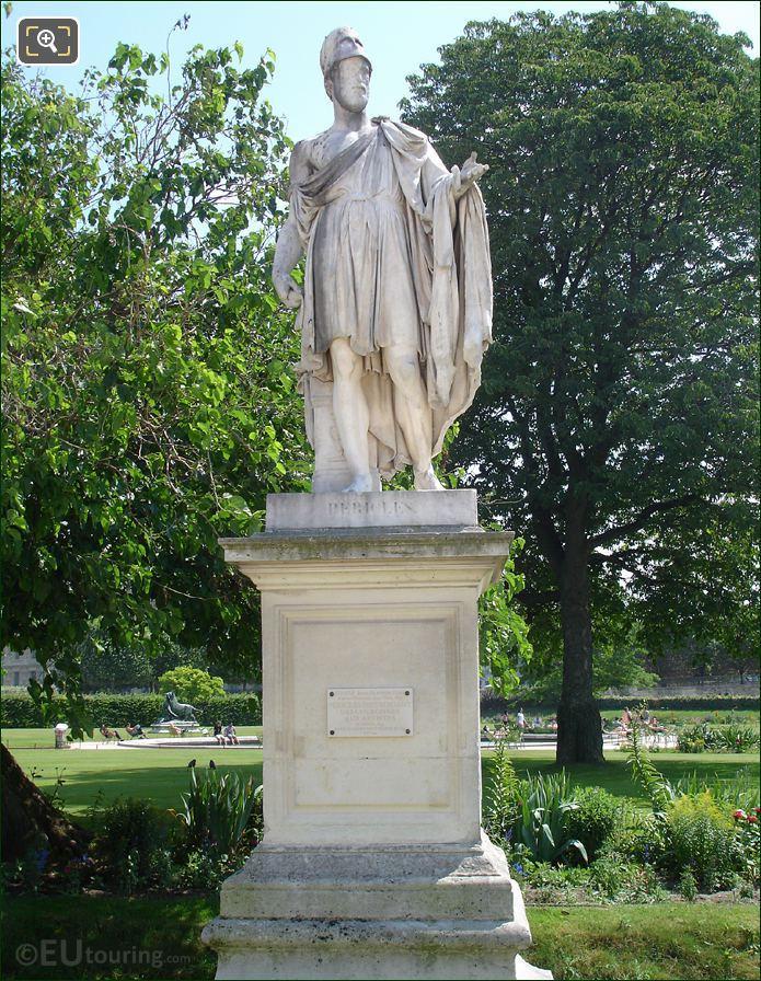 Tuileries Pericles Distribuant Les Couronnes Aux Artistes Statue
