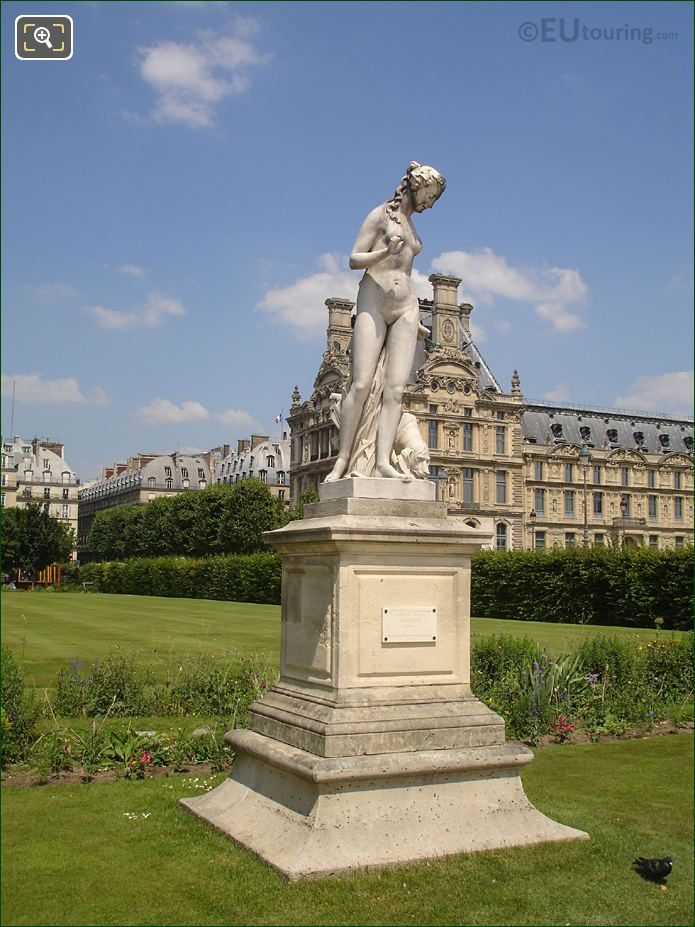 HD Picture Of Nymphe Statue In The Tuileries Gardens