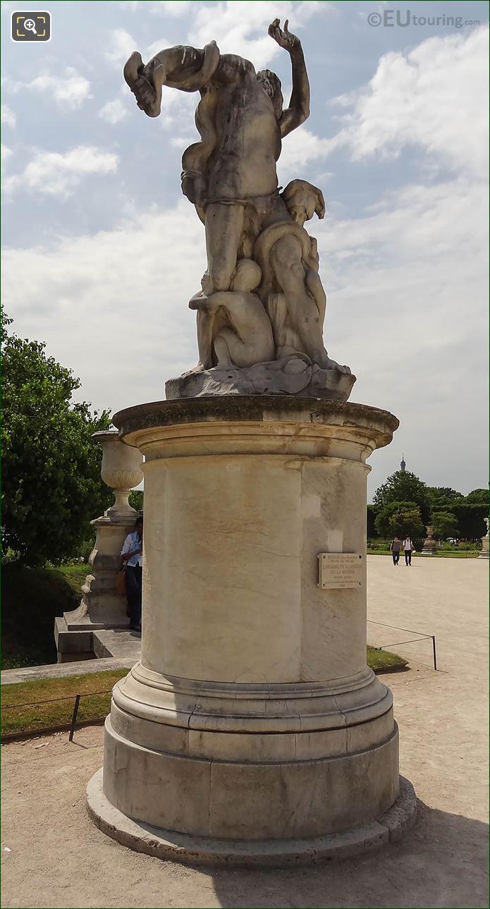 Jardin Des Tuileries Statue L'Homme Et Sa Misere Ou La Misere