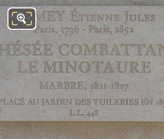 Tourist Info Plaque Thesee Combattant Le Minotaure Statue