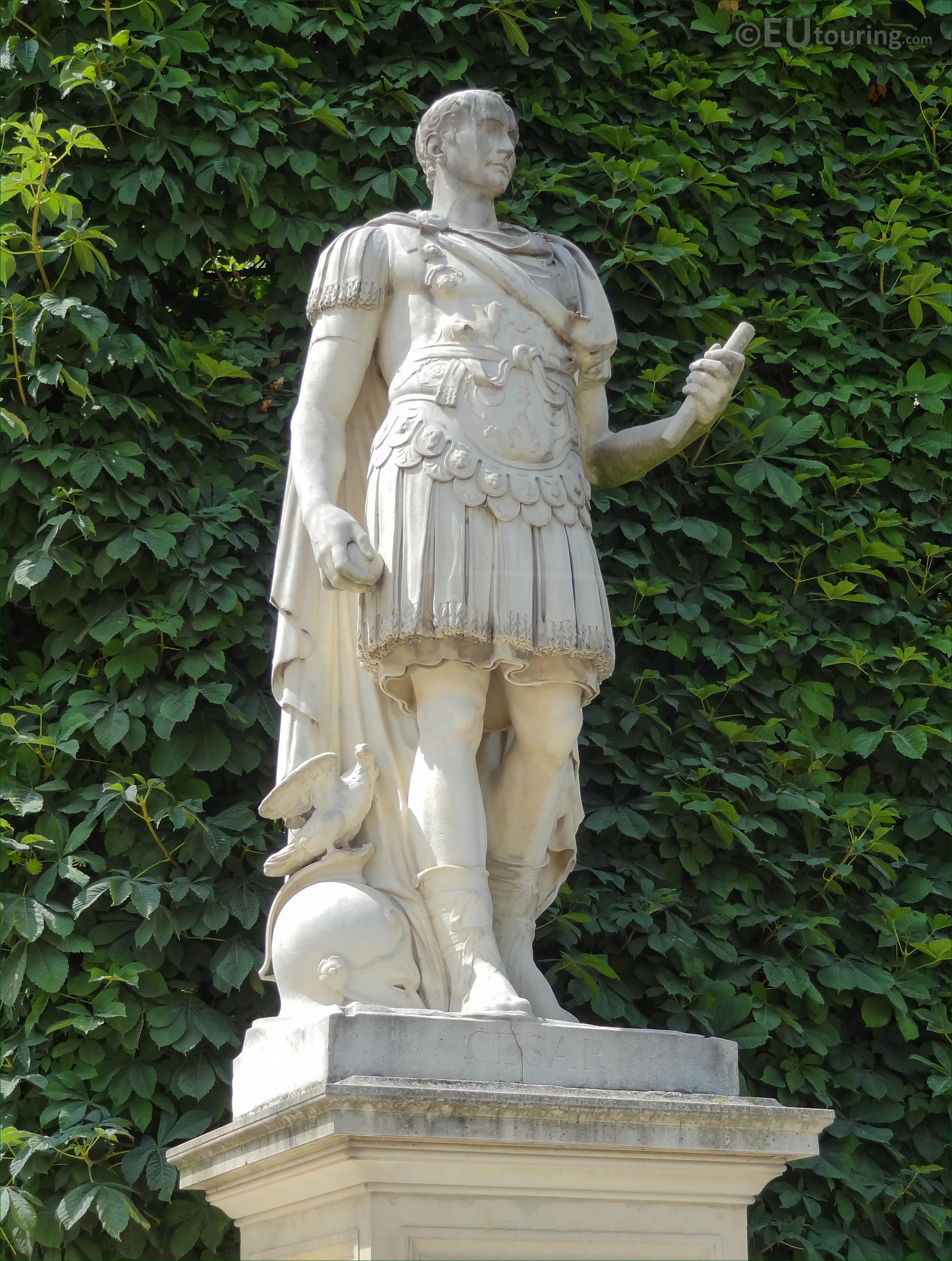 Photos of Julius Caesar statue in Jardin des Tuileries ...