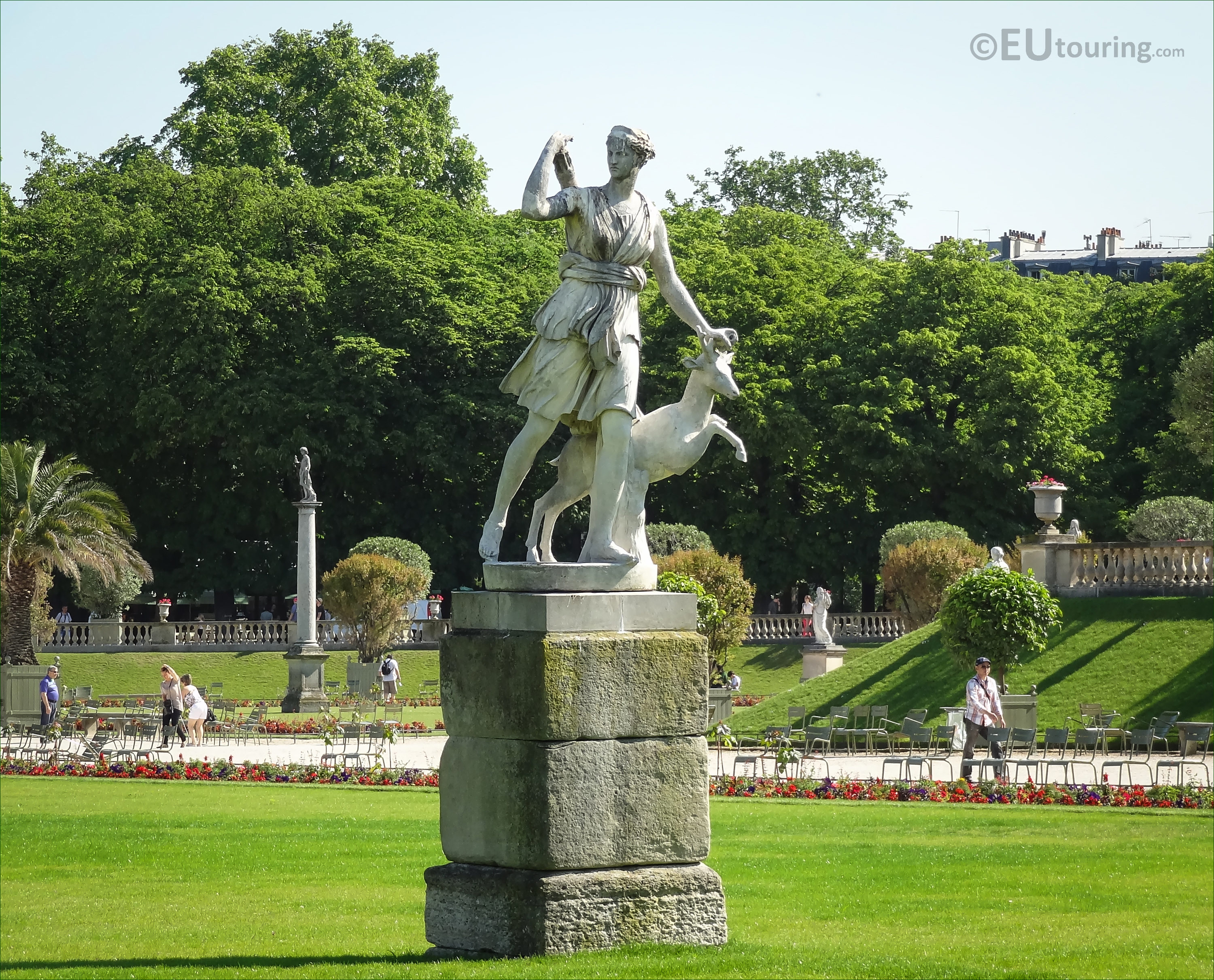 Photos of goddess of the hunt statue in luxembourg grdns - Sculpture de jardin ...