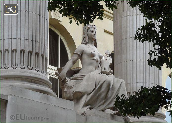 L'Art Egyptien Statue Between Columns Grand Palais