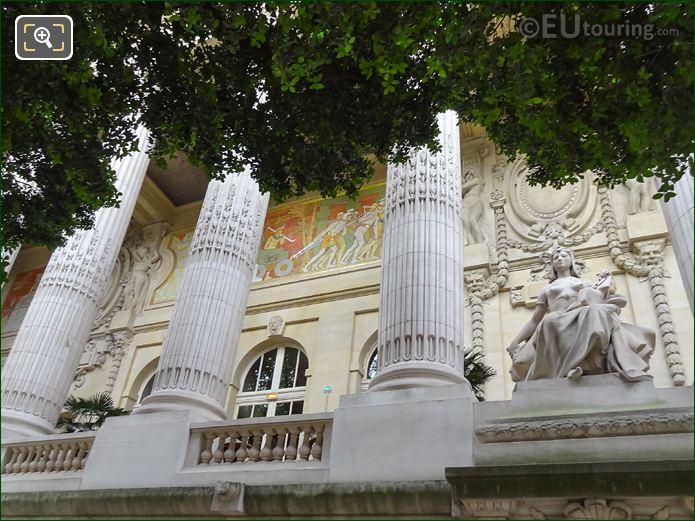 L'Art Egyptien Statue Grand Palais Eastern colonnade