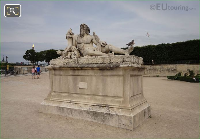 Le Tibre Statue In Jardin Des Tuileries