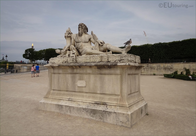 photos of le tibre statue group in jardin des tuileries. Black Bedroom Furniture Sets. Home Design Ideas