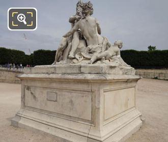 Front And LHS La Seine Et La Marne Statue