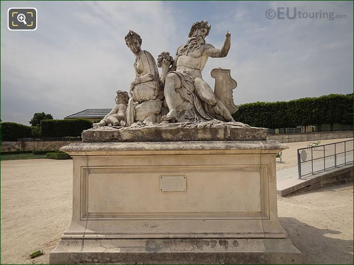 La Loire Et Le Loiret Statue In Jardin Tuileries