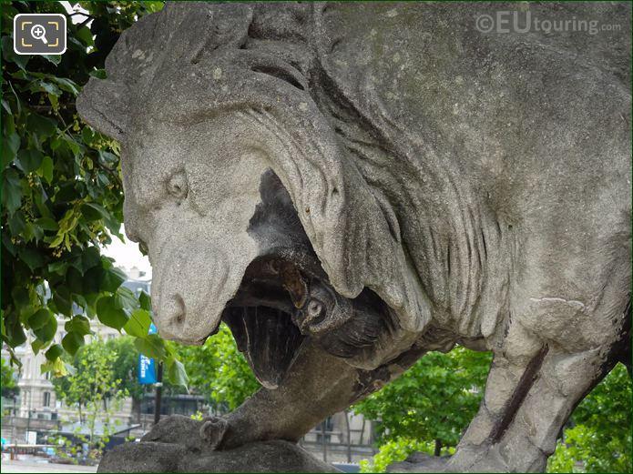 Lions Head Of The Lion Au Serpent Statue