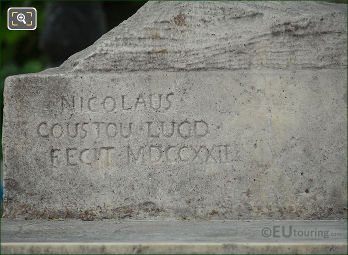 Nicolas Coustou Inscription On Julius Caesar Statue
