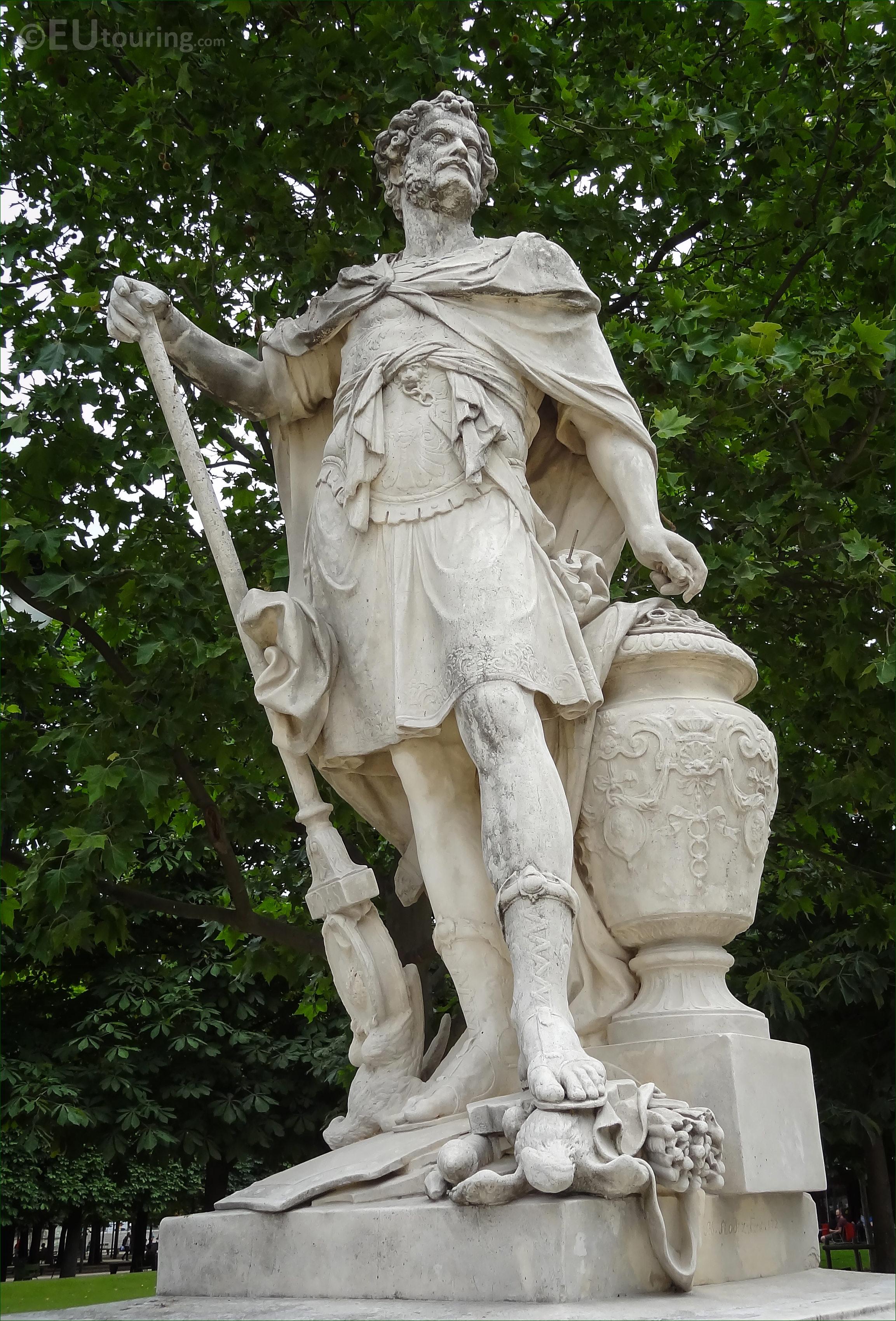 Photos of hannibal statue in jardin des tuileries page 112 - Statues jardin des tuileries ...