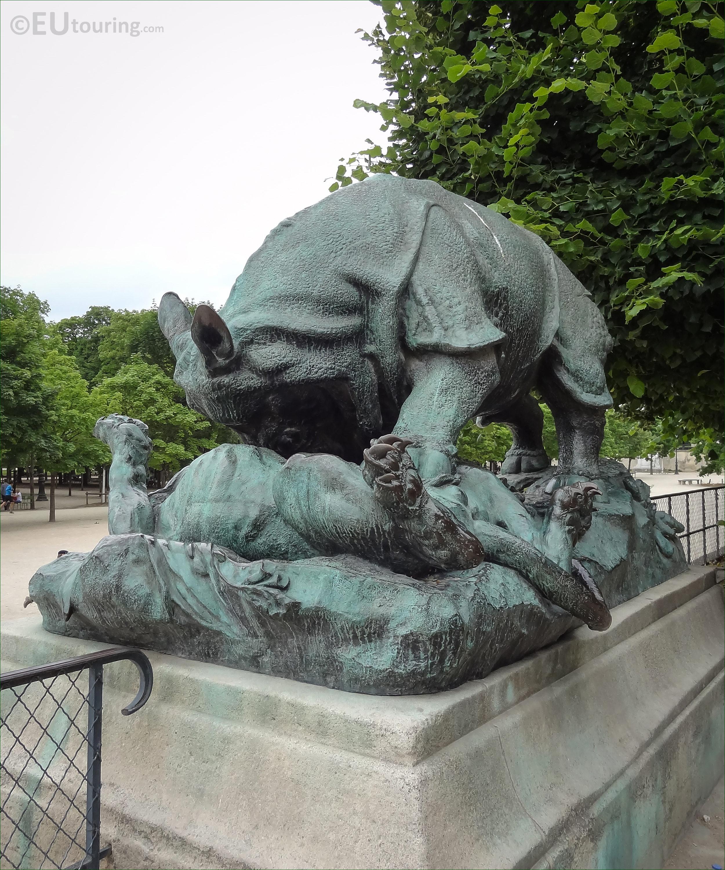 Rhinoceros attaque par un tigre statue in jardin des tuileries page 669 - Statues jardin des tuileries ...