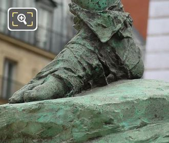 Photo Of Cloth Bound Foot On Retour De Chasse Statue
