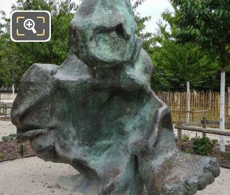 L'Ami De Personne Statue In Jardin Des Tuileries