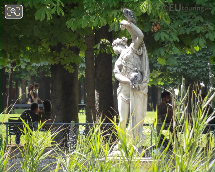 Venus Out Of The Bath Statue Jardin Des Tuileries
